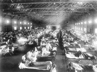 a black and white photo of a spanish flu hospital in 1918