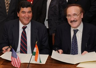 NIH Director Dr. Elias Zerhouni and Dr. Raj Bhan, Secretary of the Department of Biotechnology, India at signing ceremony to commemorate DBT/NIH collaboration in areas of mental health, neurology and addictive disorders